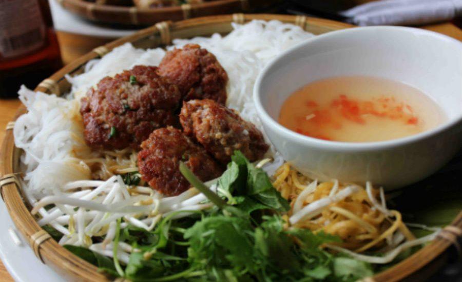 bun cha 900x550 - Best Street Food in Hanoi