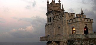 swallows nest castle livadia ukraine 61107 600x450 323x152 - 10 Top Destinations For 2013